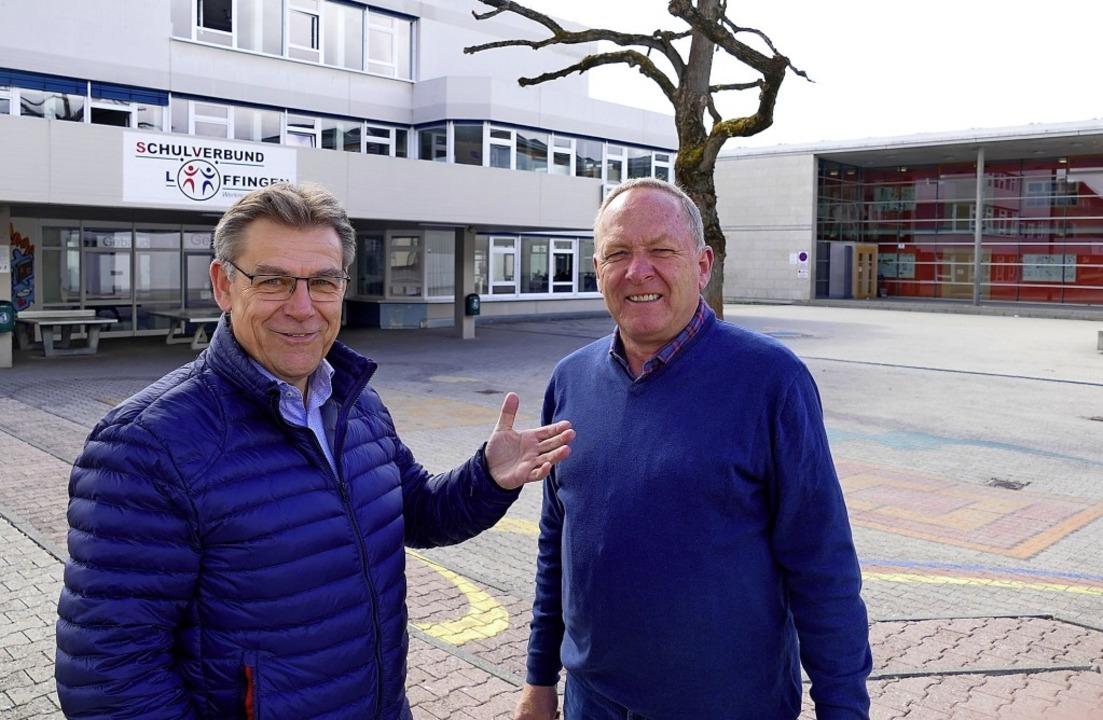 Der CDU-Fraktionssprecher Manfred Furt...Gebäuden des Schulverbunds Löffingen.   | Foto: Martin Wunderle