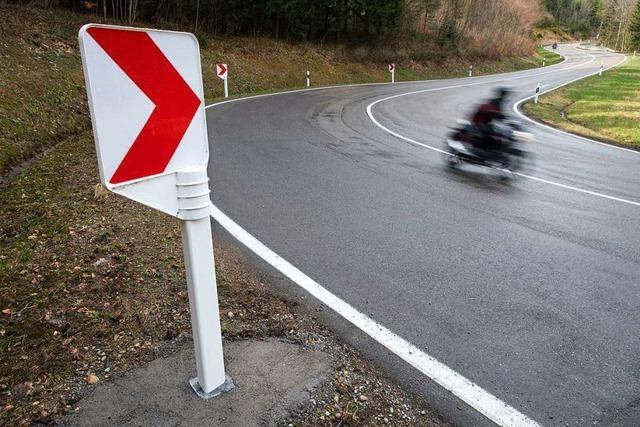 Zwei Motorradunfälle fordern drei Verletzte