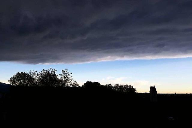 Bedrohliche Wolken über Munzingen