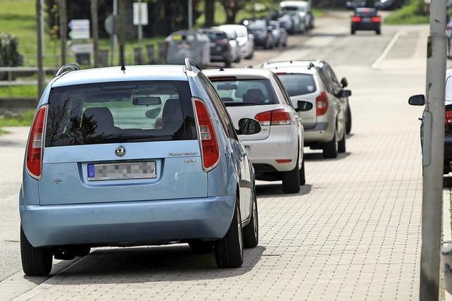 Parken auf Gehwegen wird bald geahndet – es gibt aber Ausnahmen