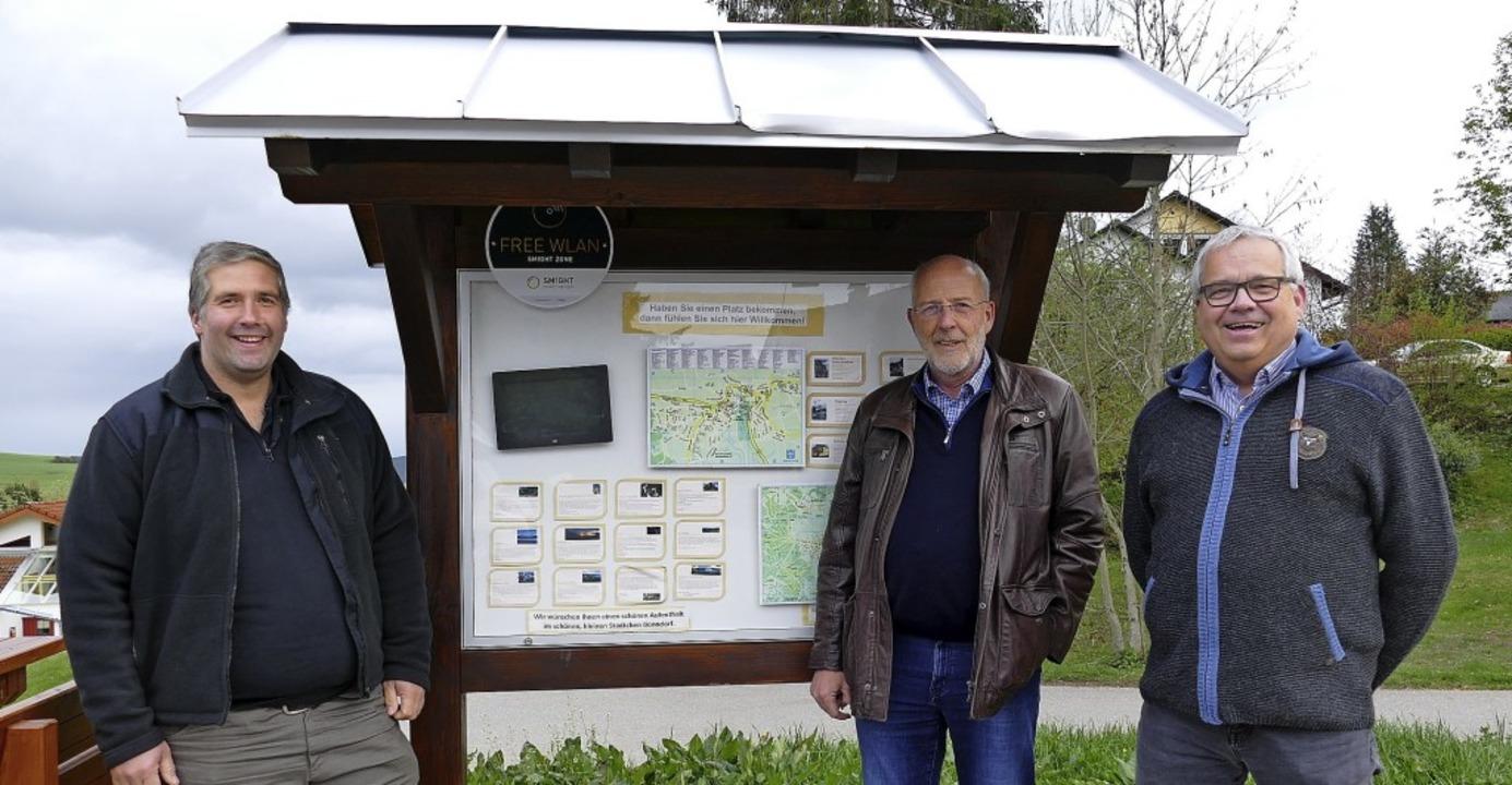 Auf den Wohnmobil-Stellplätzen in Bonn...mtsleiter Nikolaus Riesterer (v.li.).   | Foto: Kühnmeund
