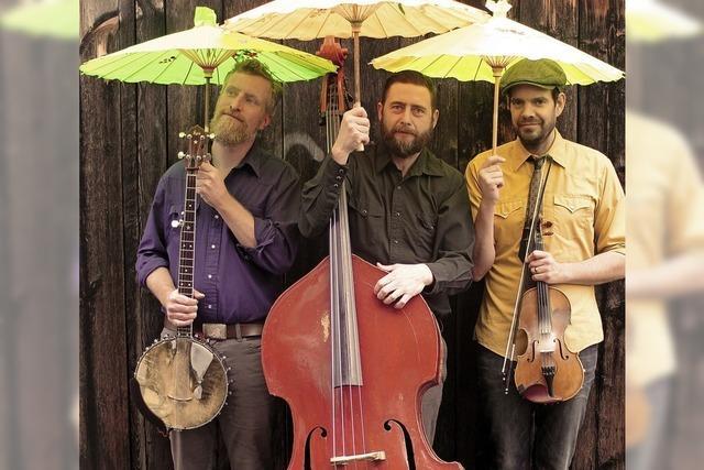 Die Lonesome Ace Stringband bringt Oldtime in den Schlosskeller in Tiengen und beendet damit das 13. World Town Festival.