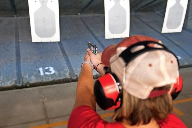 Schülerbewegung will keine Lehrer mit Waffen