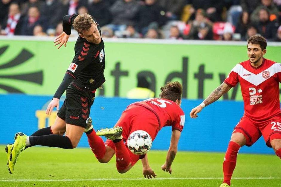 Dezember 2018: Durch den Aufstieg der Fortuna treffen die Teams wieder in der Bundesliga aufeinander. Die Fortuna, von vielen vor der Saison als Abstiegskandidat gehandelt, kann aber in der Hinrunde die Liga überraschen. Auch gegen den Sportclub gewinnt F95 mit 2:0. (Foto: dpa)