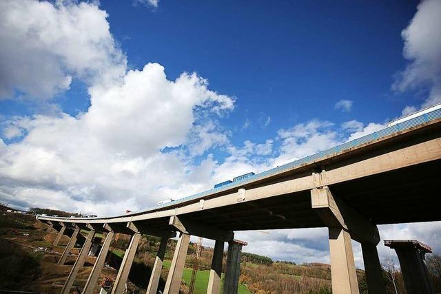 Diese Brücke ist fast so schwer wie der Kölner Dom – sie soll mit Spüli verschoben werden