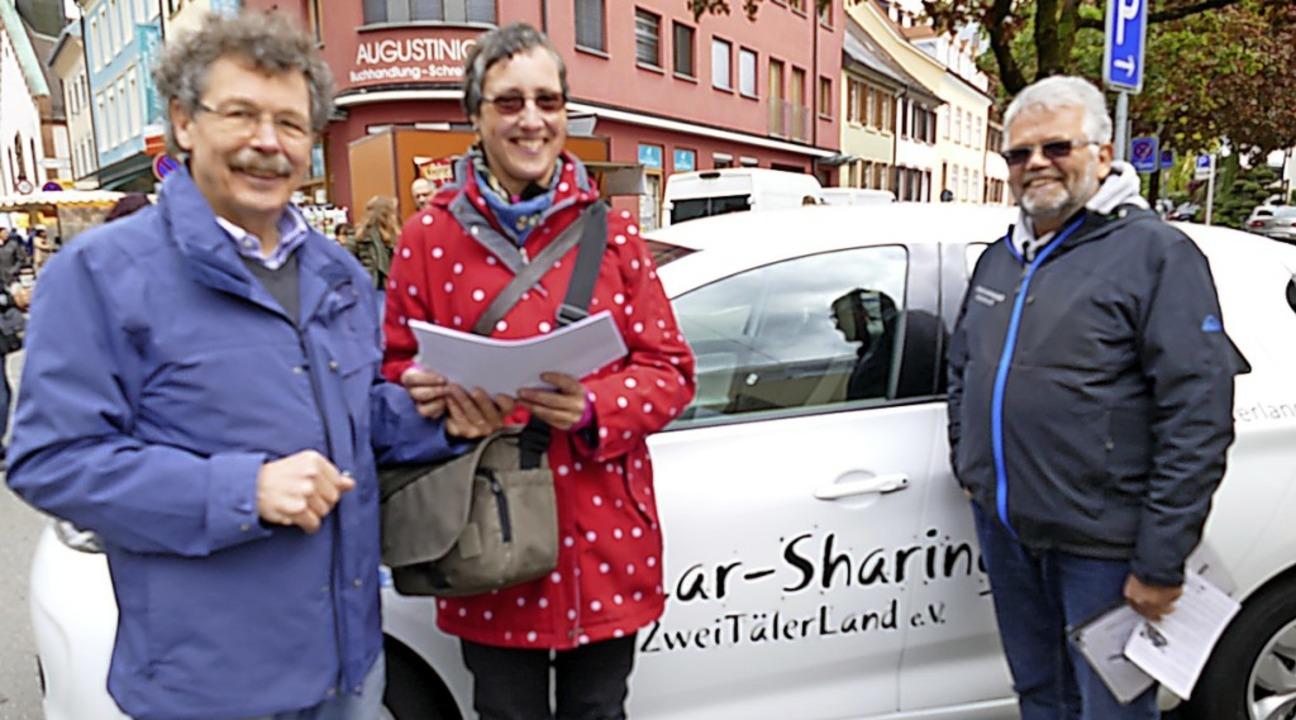 Sylvia Sredniawa, Vorstandsmitglied be... Bernhard Steinhart (l.) und Uwe Klos.  | Foto: Sylvia  Sredniawa