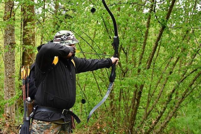 Bullendrachen, Trolldogs und Horrorbären werden im Hollwanger Forst mit Pfeil und Bogen erlegt