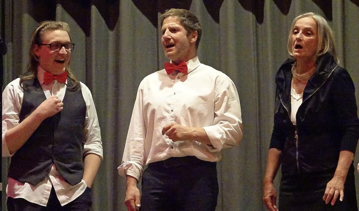 Der Chor Chorisma bereicherte die Jahresfeier mit seinen Liedern.    Foto: Yvonne Siemann