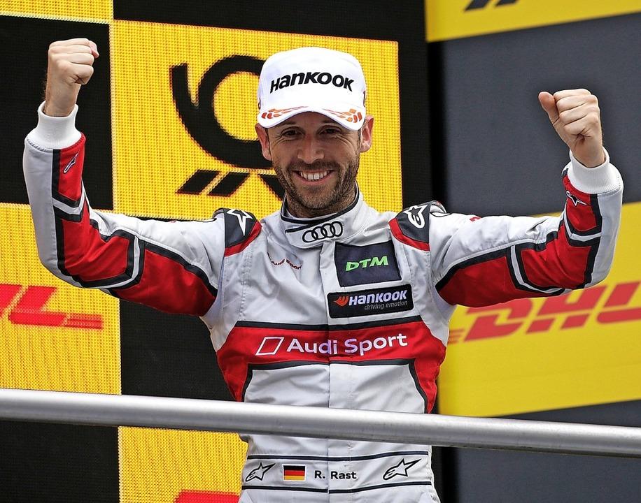 Sein siebter Sieg in den vergangenen acht Rennen: René Rast   | Foto: DPA