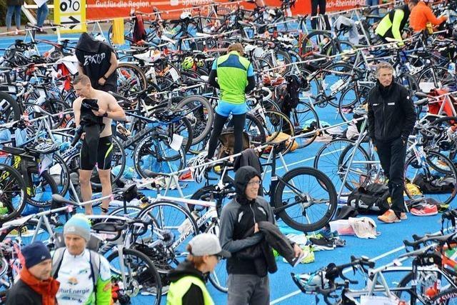 Kalter Start beim Sparkassen-Triathlon in Rheinfelden