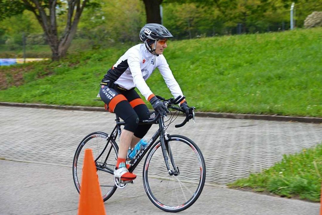 Radfahrer mit langen Ärmeln.    Foto: Horatio Gollin