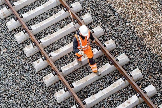 Die Bahn ist so unpünktlich, weil es zu wenige Ausweichrouten gibt
