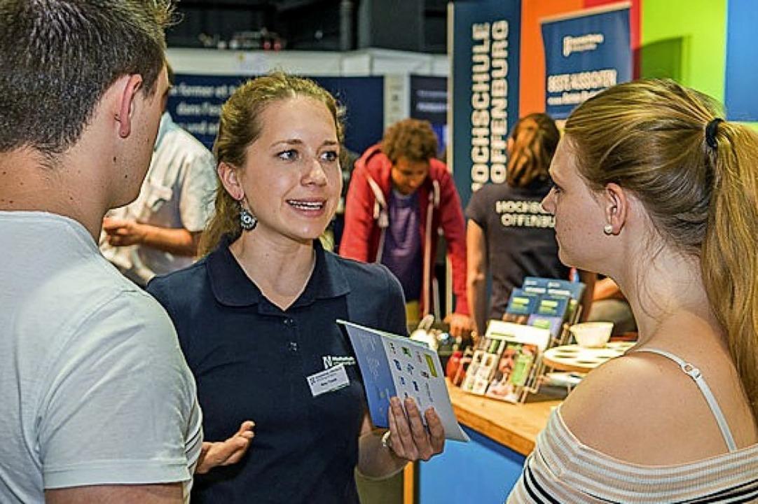 Aussteller stehen Rede und Antwort.  | Foto: Messe Offenburg / Tauscher