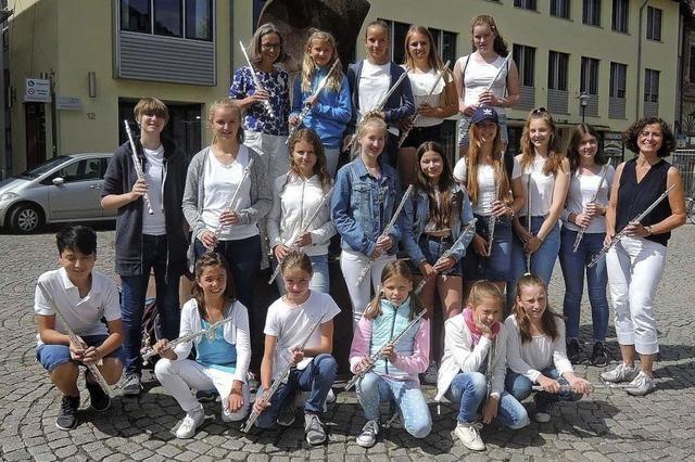Bläserensemles der Musikschule Nördlicher Breisgau musizieren mit Bläserklassen der Goethe-Gym,nasiums in Emmendimngen
