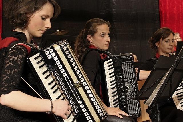 Zum Jubiläum das Hohner-Orchester aus Trossingen