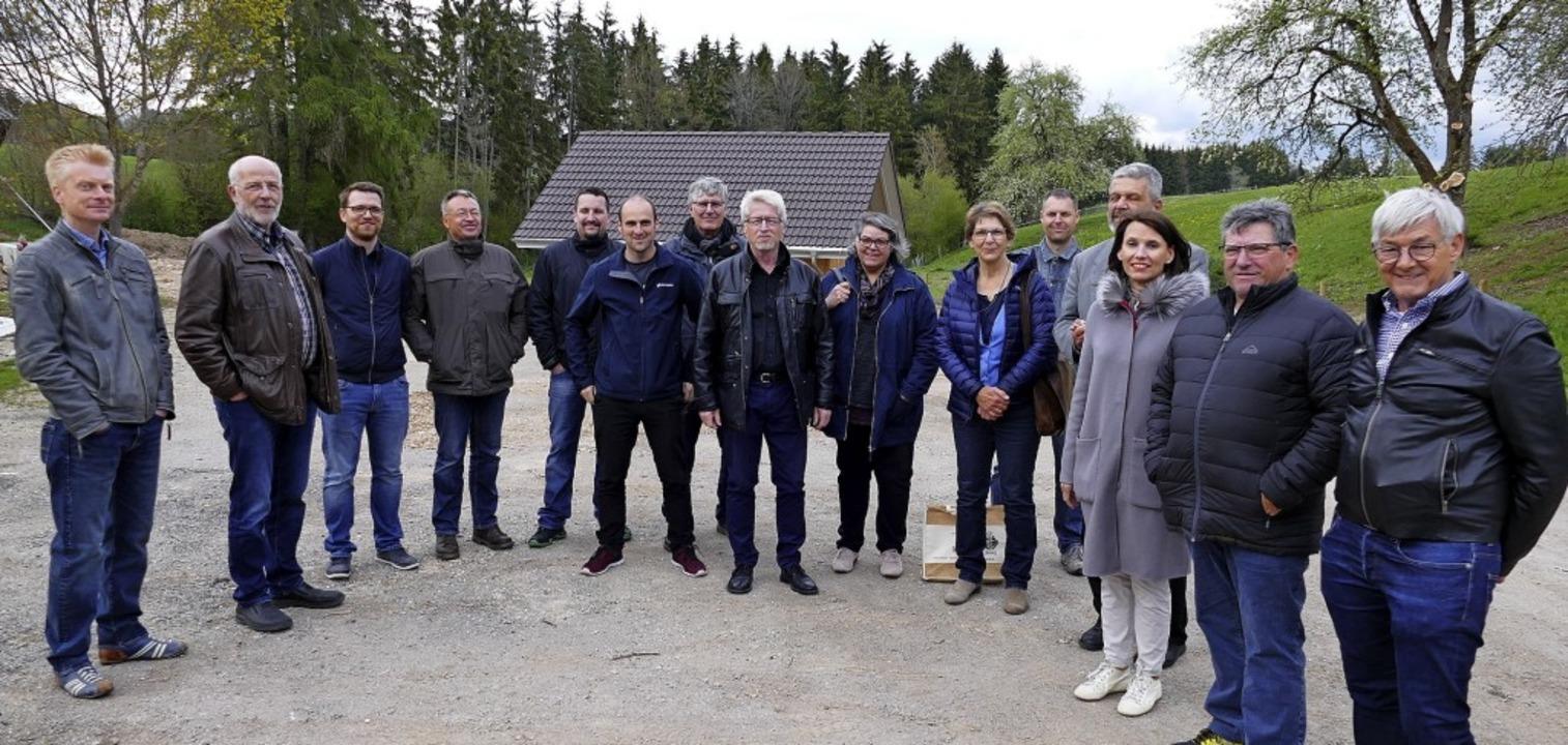 Zur Besichtigung des Pumpwerks in Boll...warzelühr-Sutter (3.v. re.) gekommen.   | Foto: Juliane Kühnemund