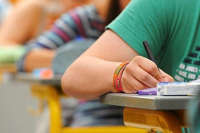 Fast jeder zweite Pflegeschüler fällt bei Abschlussprüfung durch