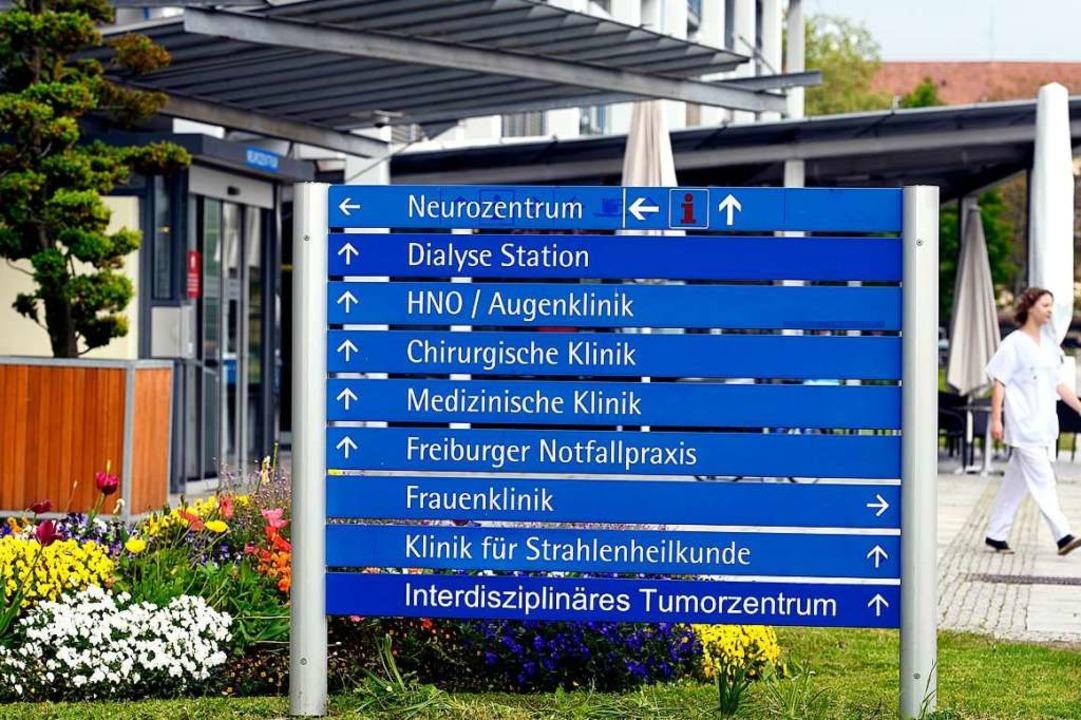 Qualifizierte Pflegekräfte sind auf al...r offenbar vermehrt zu Verzögerungen.     Foto: Thomas Kunz