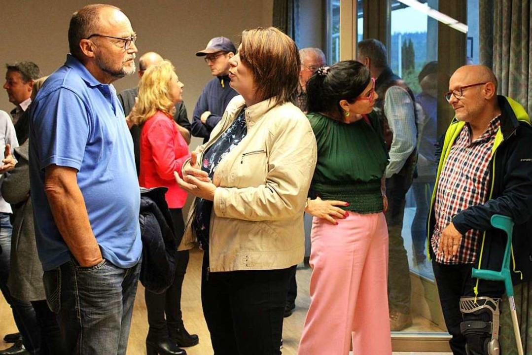 Angeregte Diskussionen im Bürgerhaus  | Foto: Annika Sindlinger