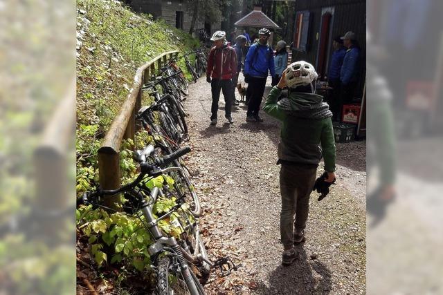 Mountainbiker trotzen der Kälte und dem Schnee
