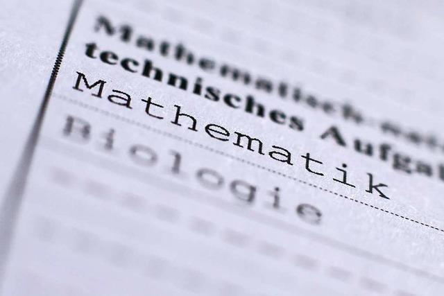 GEW fordert Überprüfung des Mathe-Abiturs