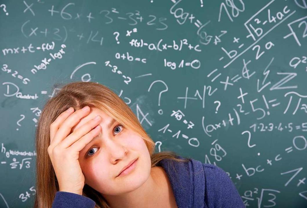 Das Mathe-Abitur ist für viele Schüler... Schwierigkeitsgrad und zu wenig Zeit.  | Foto: grafikplusfoto - stock.adobe.com