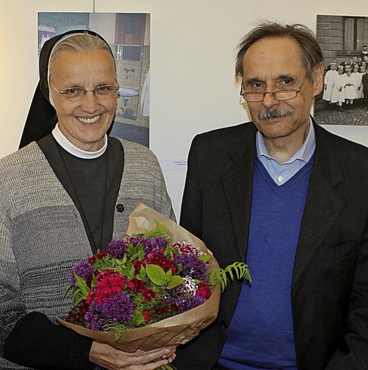 Die beiden Ehrengäste zur Eröffnung de...ster Benedicta Maria und Georg Cremer.  | Foto: Rolf Reißmann