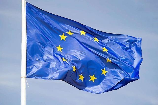 Auf der Staufener Burg weht die Europaflagge