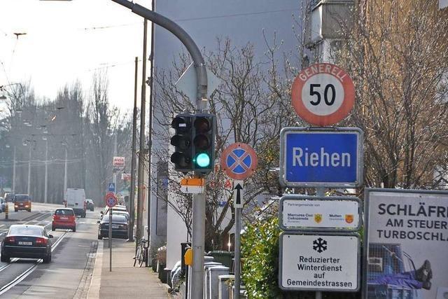 Seit es die Zollfreie Straße gibt, fahren nur noch halb so viele Autos über Grenze Riehen-Lörrach