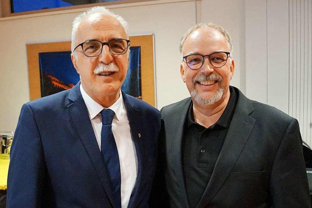 Der alte und der neue Präsident des Or...enden  des Musikvereins Heiligenzell.   | Foto: tor