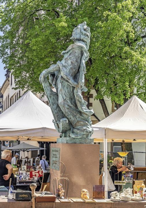 Das Standbild Reinhold Liebenzellers, ...rde, steht an der Place des Tripiers.   | Foto: teli