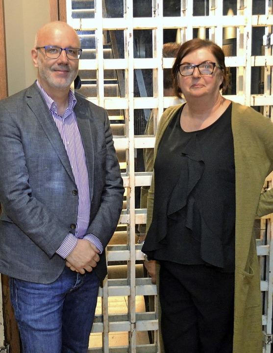 Referent Cornelius Wichmann und Angelika Roth von der SRO   | Foto: Rudolf