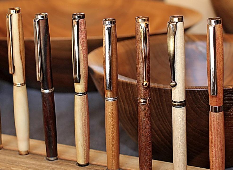 Handgefertigte Schreibgeräte von Norbert Matt aus Rötenbach.  | Foto: Gert Brichta