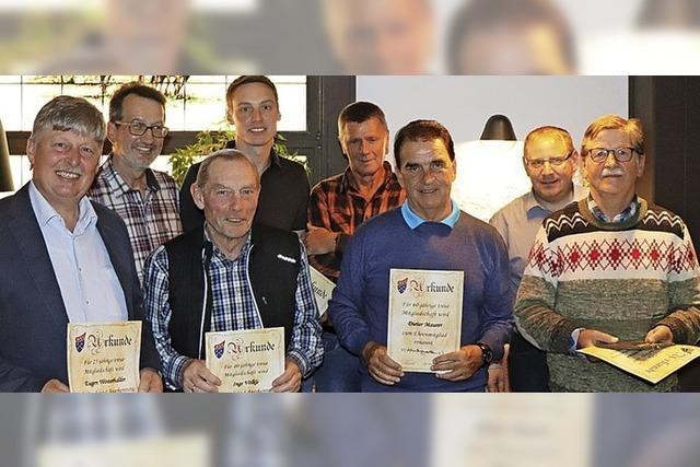 Sportverein ehrt Stützen des Vereins
