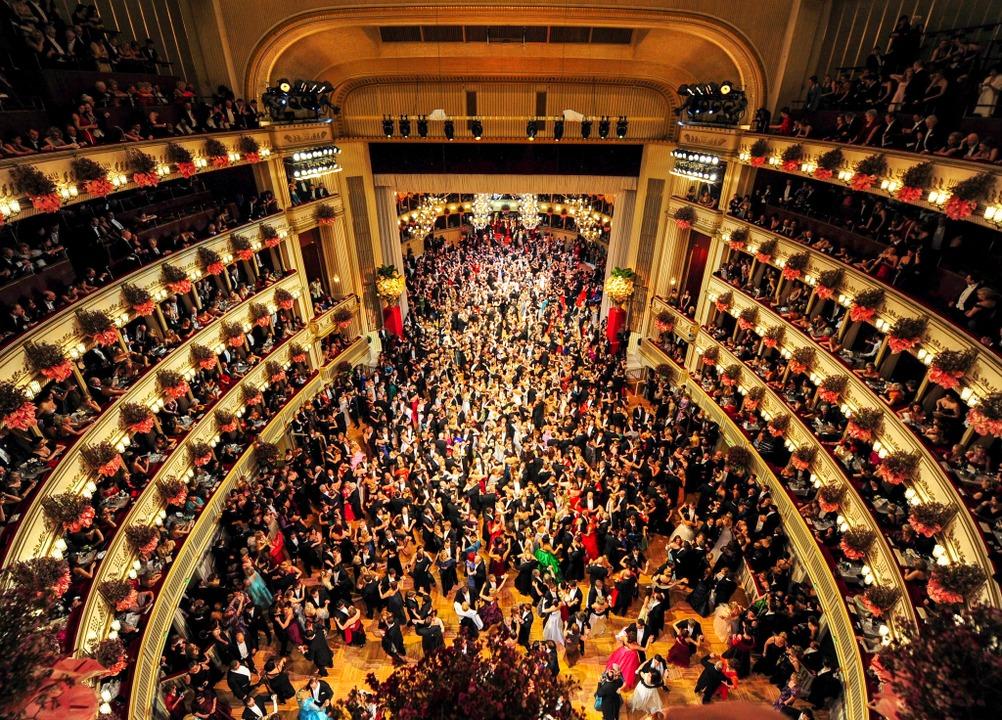 Österreichische Hölle auf dem Siedepunkt: Wiener Opernball   | Foto: dpa
