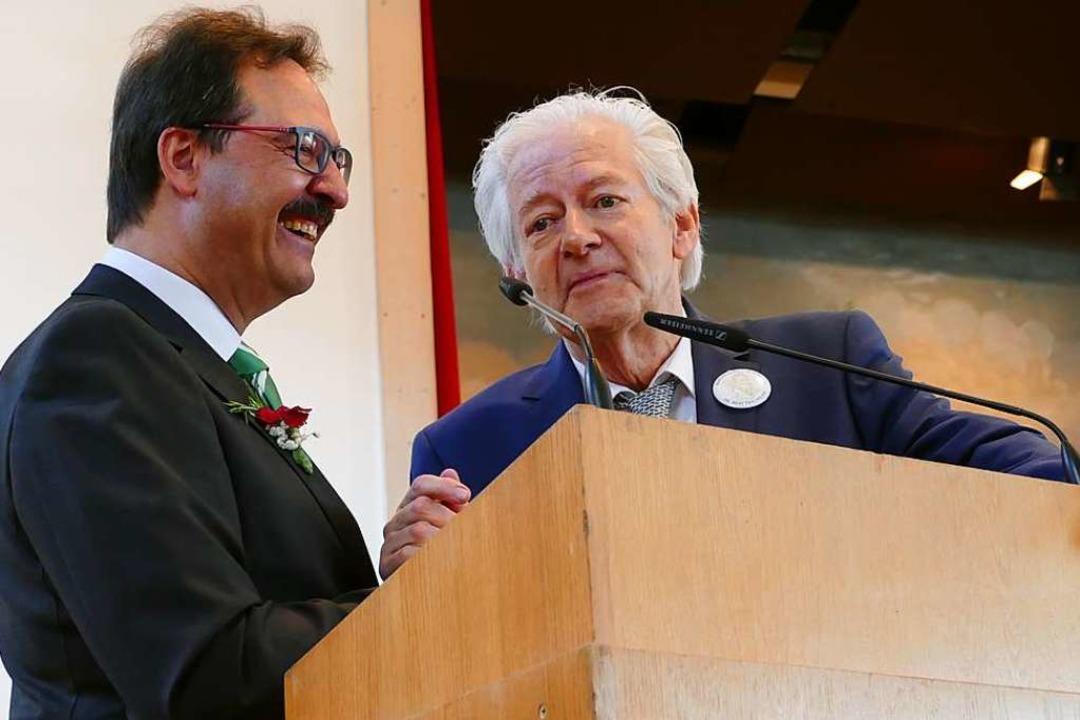 Machten Späßchen auf der Bühne: Bürger...r, Präsident der Basler Hebelstiftung.  | Foto: Sarah Trinler