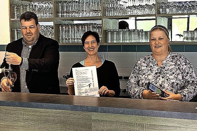 Stadt betreibt Freibad-Gaststätte selbst