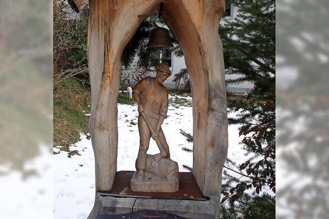Der Holzfäller im Holz