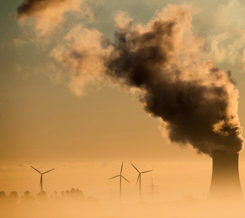 Der Druck auf die Bundesregierung, geg...mensen CO2-Ausstoß vorzugehen, wächst.  | Foto:  DPA