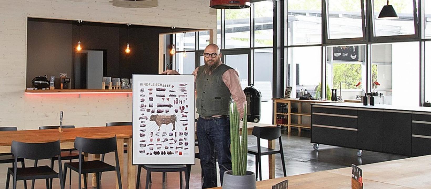 In neuen Räumen setzt Stefano Esposito den Erfolg der Grillakademie fort.    Foto: Volker Münch