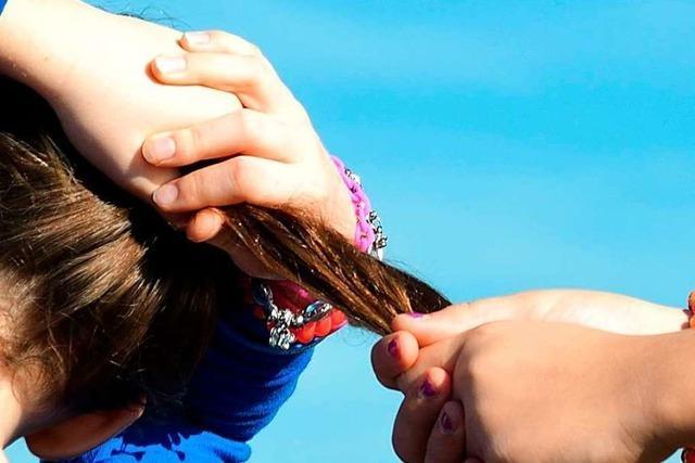 Handfester Streit unter Mädchen löst Polizeieinsatz aus