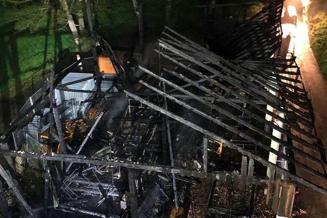 Der Dröschischopf bei Brombach brennt komplett nieder