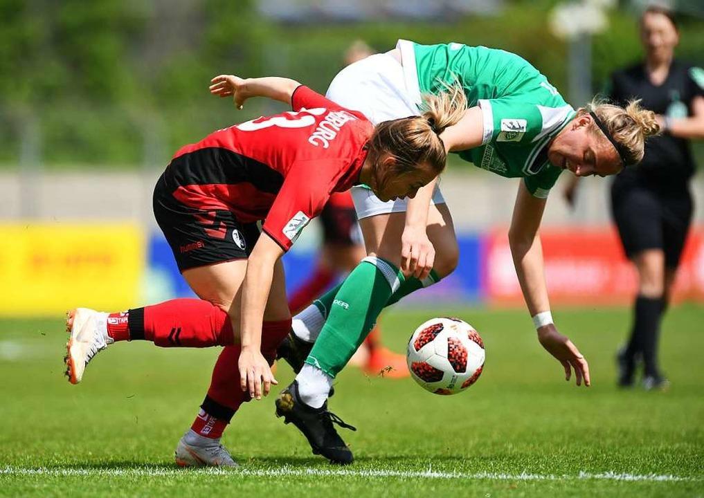 SC-Spielerin Sandra Starke (links) gegen  Katharina Schiechtl  | Foto: Patrick Seeger