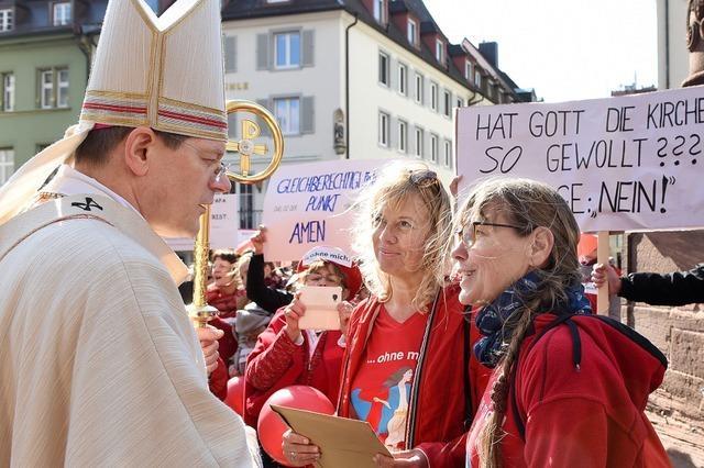 Frauendemonstration am Freiburger Münster