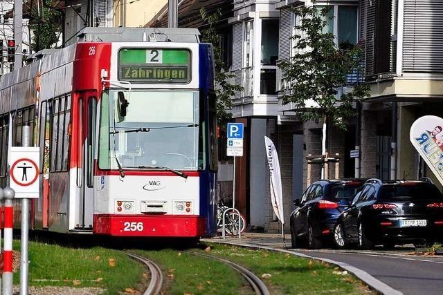 Zwei Leichtverletzte bei Unfall von Tram und Auto in der Heiliggeiststraße