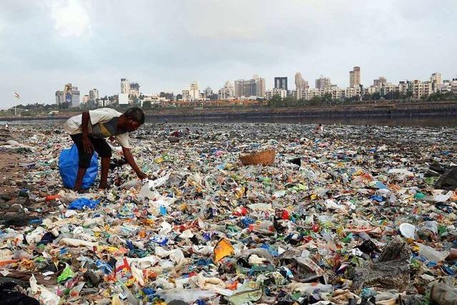 Dass weniger Plastikmüll exportiert werden darf, ist ein gutes Signal