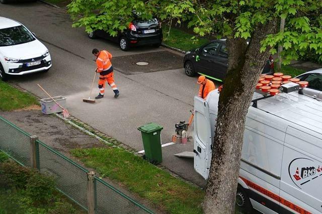 Von Anwohnern gemachte Straßenmarkierungen in der Ekkebertstraße werden entfernt