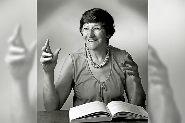 Gertrudis Weiß liest Gedichte und Texte ihrer