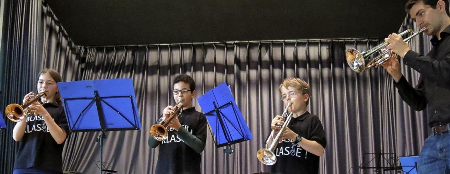 Die Trompeter der Bläserklasse 6a/b  | Foto: Georg Voß