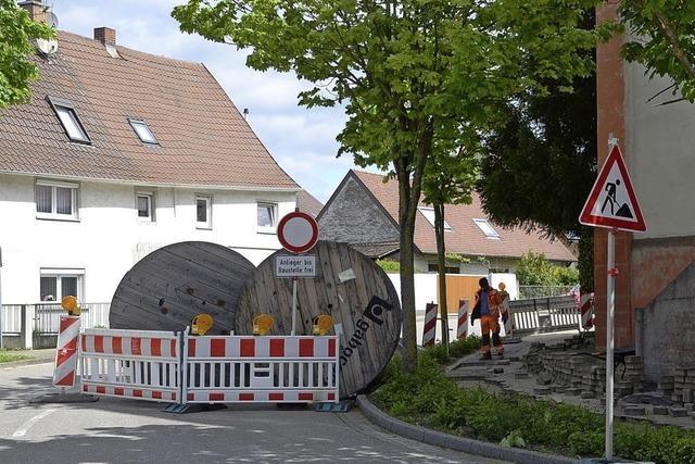 Weisweiler Straße in Wyhl gesperrt